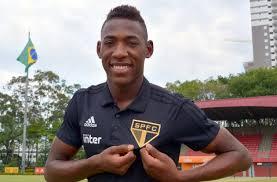 MERCADO DA BOLA  São Paulo anuncia a contratação do lateral-esquerdo ... 08ed607a74cc8